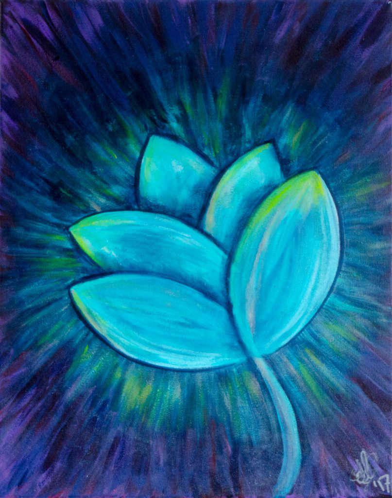 Blauw schilderij met bloem voor aan de muur