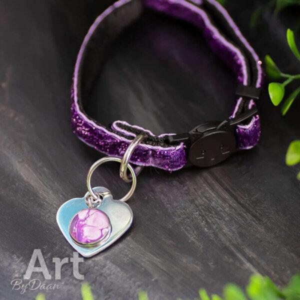 Kattenbandje met paarse bedel en adres