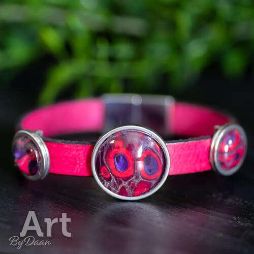 Bijzondere roze leren armband met magneetsluiting