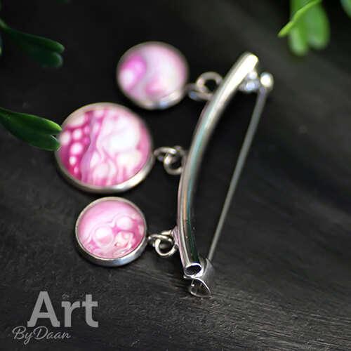 Unieke broche met roze bedels