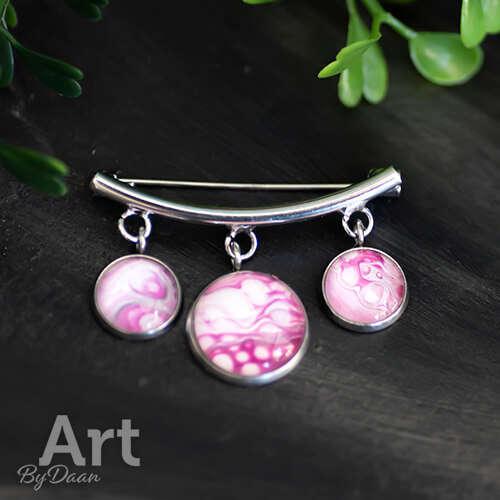 Unieke broche met roze bedels - kleurrijke sieraden