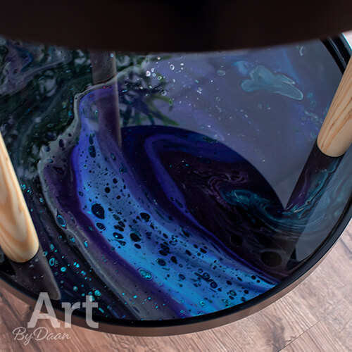 Unieke design bar bijzettafel met paars en zwart kunstwerk