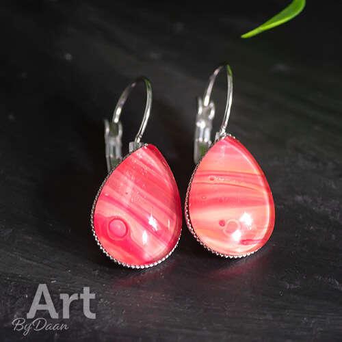 Dichte hangende oorbellen druppels met rode steen - handgemaakte sieraden
