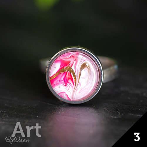 Unieke roze damesring van edelstaal