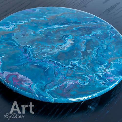 Uniek draaiplateau met blauw kunstwerk