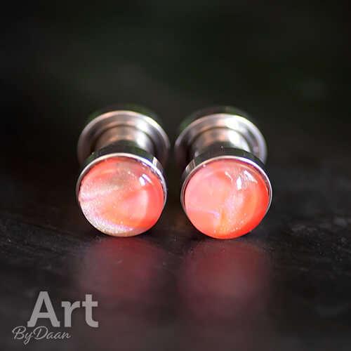 Unieke oorplugs met schroefdraad 6mm met oranje steen