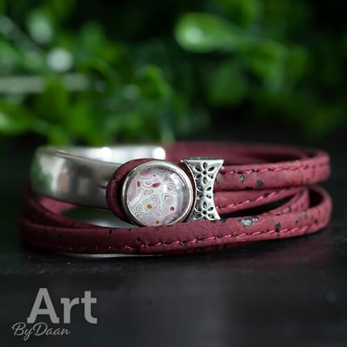 Donkerrode vegan armband van kurkleer