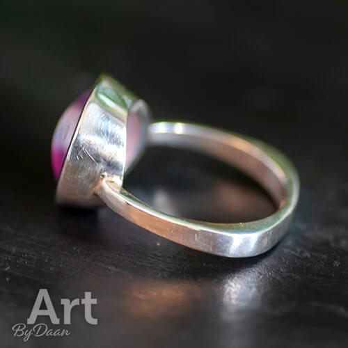 Exclusieve zilveren handgesmede ring met paarse steen - Exclusieve zilveren sieraden