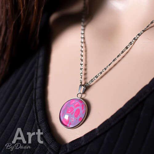 Unieke sieradenset met paars en roze oorbellen en ketting