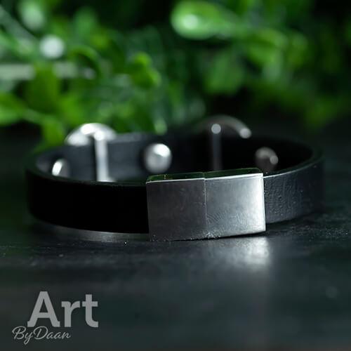 Zwart leren RVS armband met roze /groene stenen - handgemaakte sieraden
