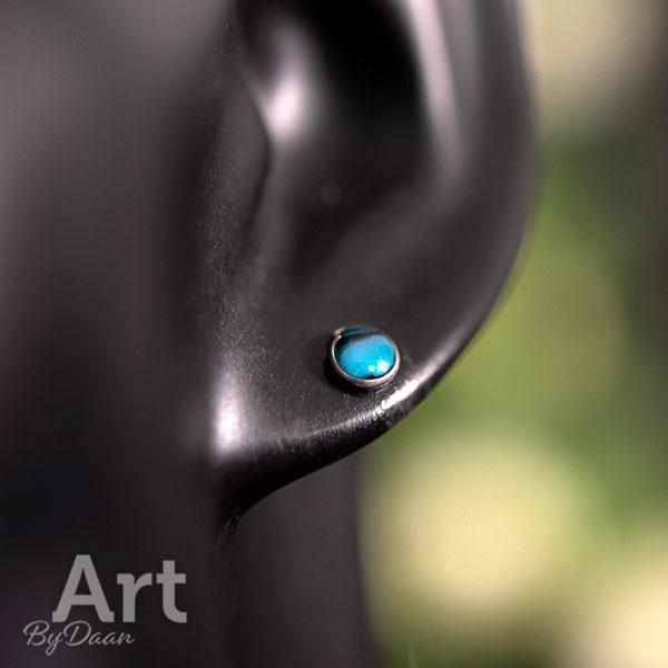 Kleine subtiele stuks met blauw kunstwerkje