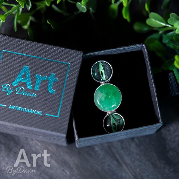 Unieke handgesmede ring met groene jade