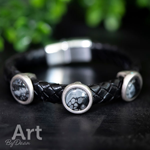 Unieke zwarte gevlochten leren armband handgemaakt 'A shade of Grey'