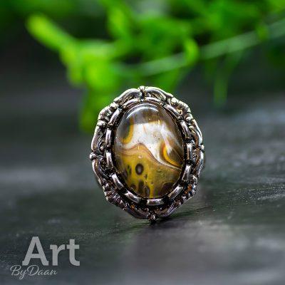 antiek-zilverkleurige-ring-met-steen-oker5.jpg