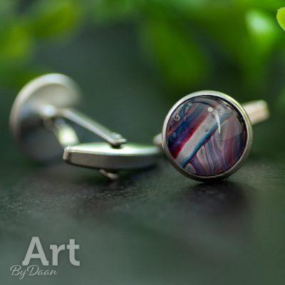 bijzondere-handgemaakte-manchetknopen-met-rood-wit-blauwe-steen2.jpg