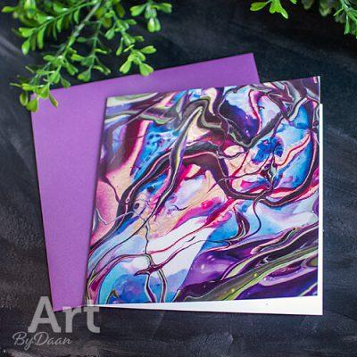 Bijzondere wenskaart met kunstafbeelding in paarse envelop