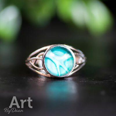 bijzonderen-zilveren-ring-met-mintgroene-steen4.jpg