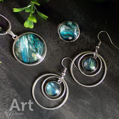 Blauwe sieraden set met de handgemaakt sieraden - Leuk om cadeau te doen - Al mijn sieraden zijn uniek, bekijk in mijn webshop meer exclusieve handgemaakte sieraden