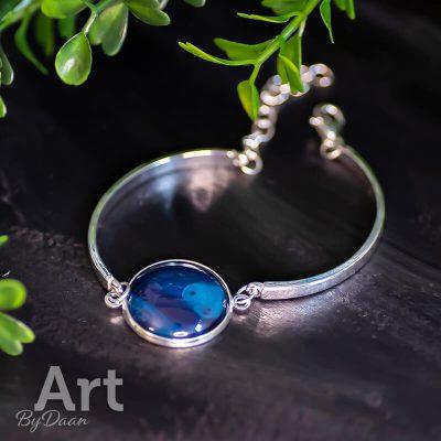 handgemaakte-armband-blauw2.jpg