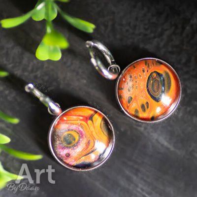 Handgemaakte oranje creolen met hangers