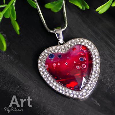 Handgemaakte hart hanger met swarovski steentjes handgemaakt