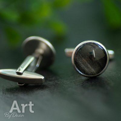 handgemaakte-manchetknopen-met-zwartzilveren-steen2.jpg