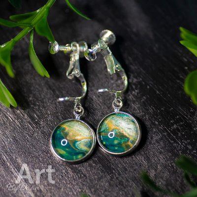 handgemaakte-oorclips-groen-geel-en-zilver-handgemaakte-sieraden-1.jpg