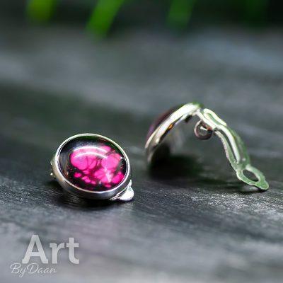 handgemaakte-oorclips-met-roze-steen.jpg