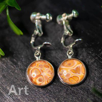 handgemaakte-oorclips-oranje-handgemaakte-sieraden.jpg