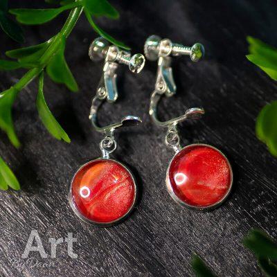handgemaakte-oorclips-rood-met-tin-handgemaakte-sieraden.jpg
