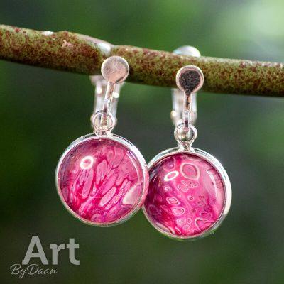 handgemaakte-oorclips-roze-handgemaakte-sieraden.jpg