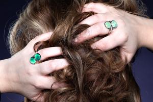 Handgemaakte groene ringen met stenen