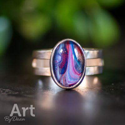 handgemaakte-zilveren-ring-met-blauw-rode-steen4.jpg