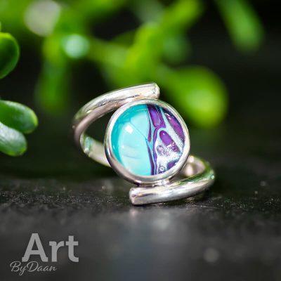 handgesmede-zilveren-ring-met-blauwe-steen5.jpg