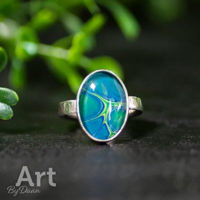 handgesmede-zilveren-ring-met-ovale-steen3.jpg