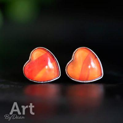 Rode oorbellen in hartvorm handgemaakt