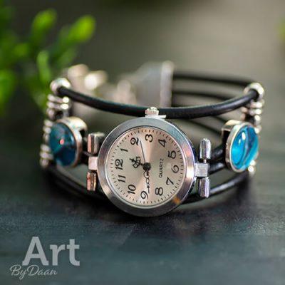 horloge-als-armband-met-blauwe-stenen4.jpg