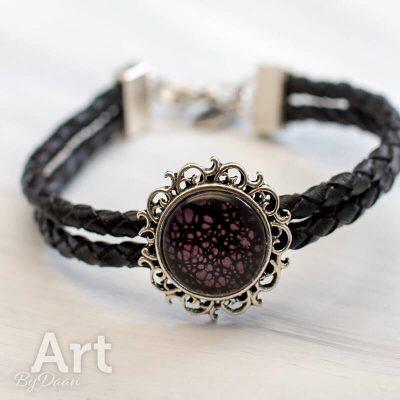 leren-armband-010-zwart-met-paars-uniek-en-handgemaakt.jpg