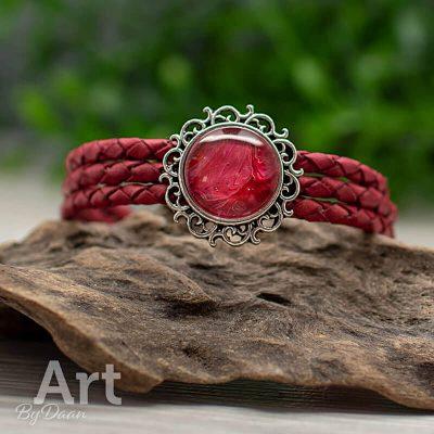 leren-armband-030-uniek-met-gevlochten-leer-rode-steen.jpg