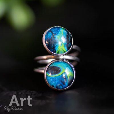 Handgemaakte sieraden - moderne dubbele ring met blauw groene steen handgemaakt