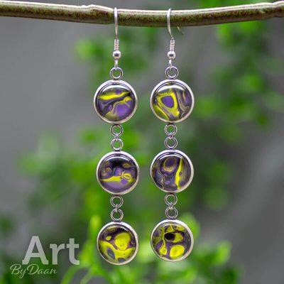 oorhangers-RVS-032-12mm-handgemaakte-oorbellen-met-paars-en-geel.jpg