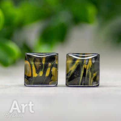 oorknopjes-RVS-010-geel-met-zwart-handgemaakt.jpg