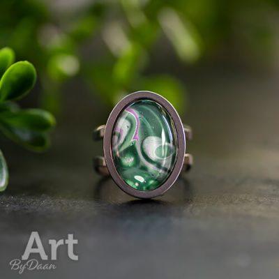 ovale-damesring-met-groene-handgemaakte-steen3.jpg