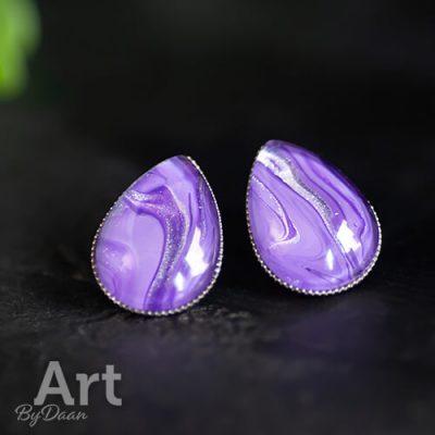 Paarse druppel oorbellen met glitters