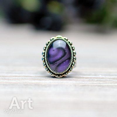 ring-ovaal-010-metallic-paars-met-zwart-handgemaakt.jpg