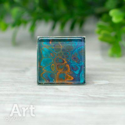 ring-verstelbaar-vierkant-25mm-handgemaakte-damesring-blauw-met-oranje2.jpg