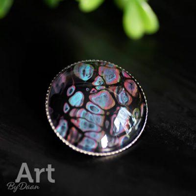 Unieke handgemaakte broche met kleurrijke steen