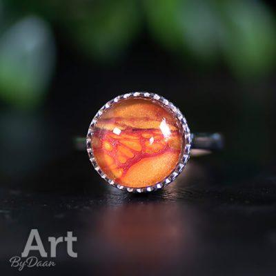 unieke-handgemaakte-zilveren-ring-met-oranje-steen4.jpg