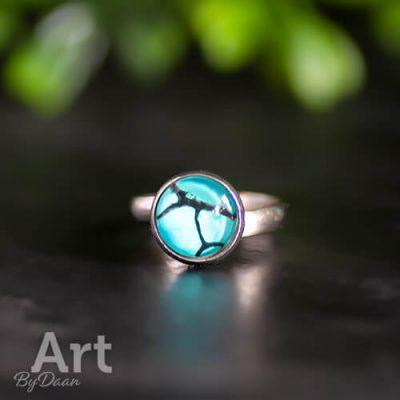 Unieke ring met blauwe steen