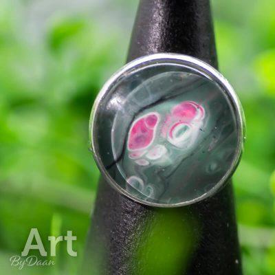 verstelbare-damesring-groen-met-roze.jpg